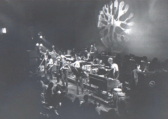 grateful dead with members of the allman bros. and fleetwood mac.fillmore east,late show,2/11/70.